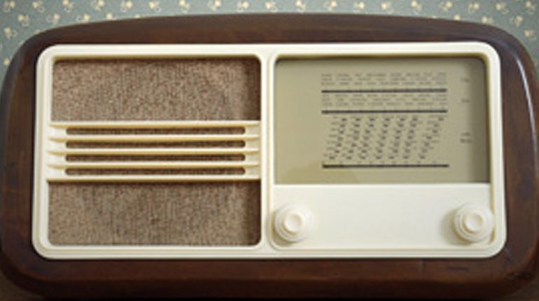 Oude radio, van ver vóór de podcast!