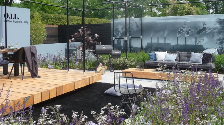 Showtuin Outdoor Industrial Living op Gardenista