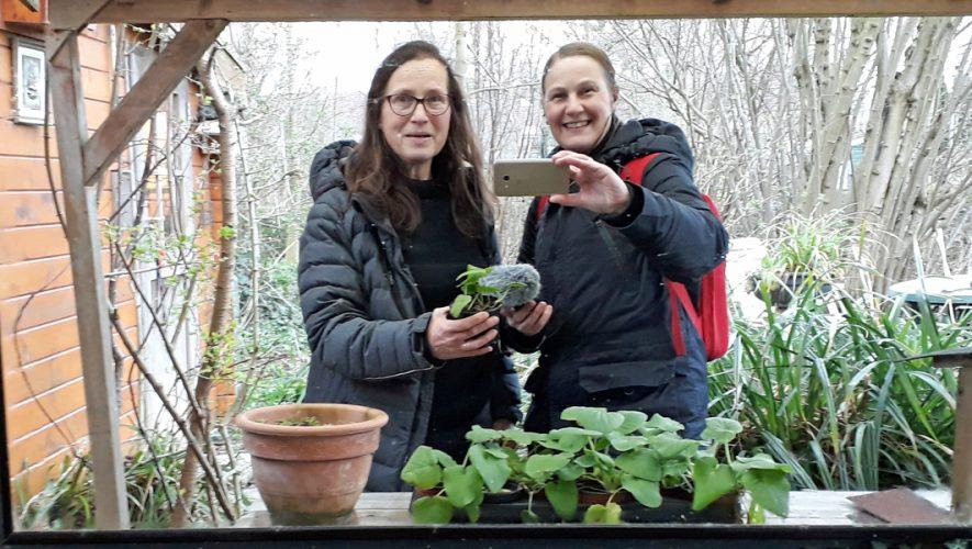 Thérèse van Groeningen en Ivonne Smit natuurtuin Schalkwijk